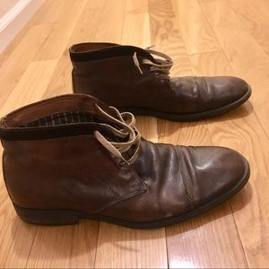 Johnston & Murphy 1850 chukka style shoes